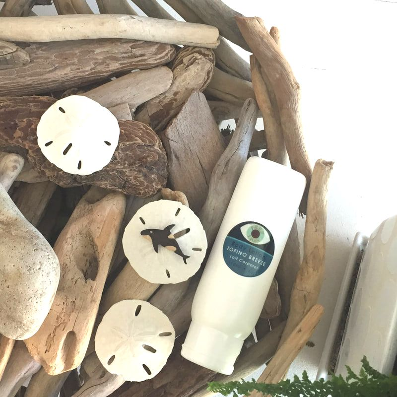 Free Lion Tofino Breeze Body Lotion in driftwood basket