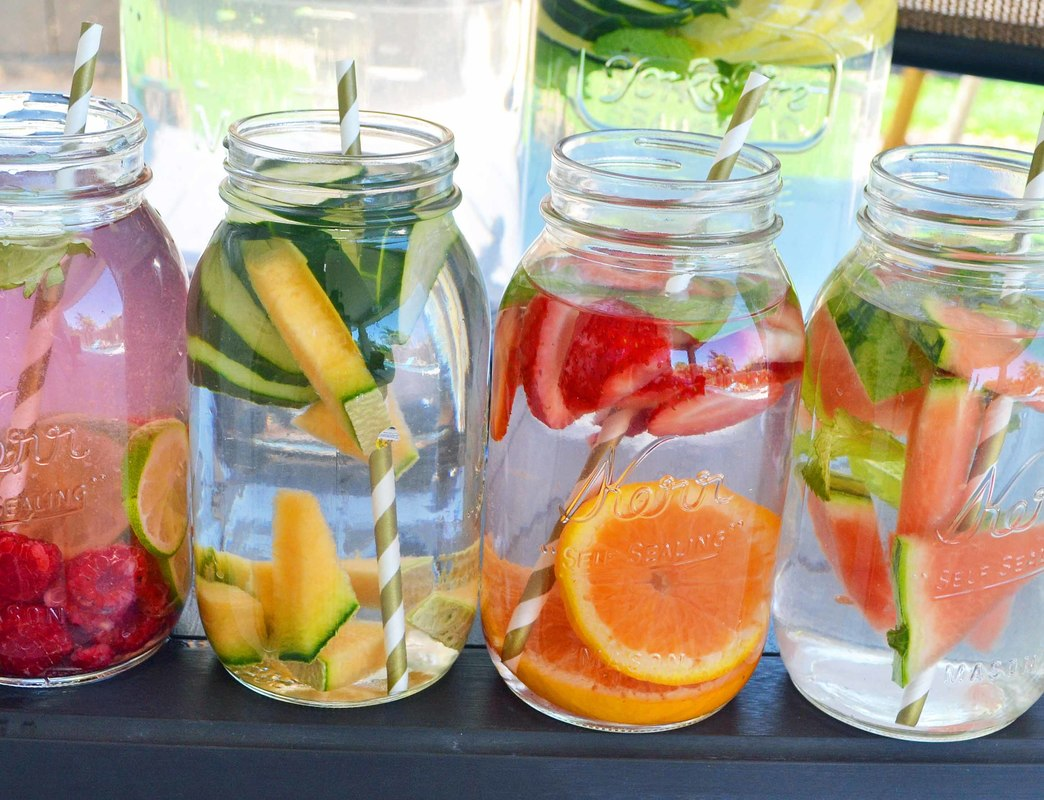 Fruit infused detoxifying water